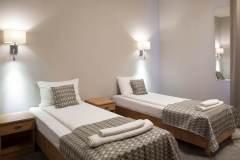 pokoj-4-osobowy-dostawki-hotel