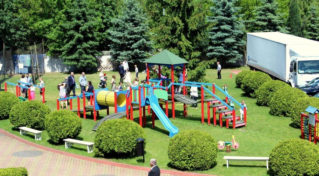 okolice hotelu - plac zabaw dla dzieci